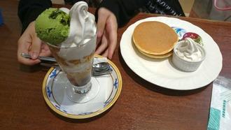 パンケーキ、抹茶パフェ